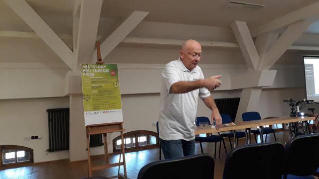 Ing. Václav Opatrný a jeho přednáška na téma Elektroenergie